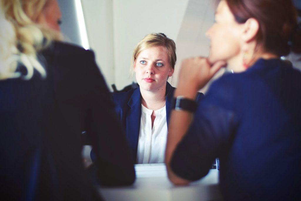 3 femmes d'affaires